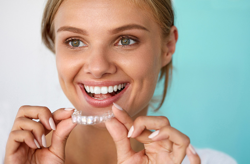 Coquitlam Invisalign: What are the Advantages of Invisalign?